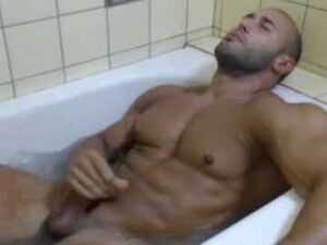 Euro Buff Guy Jerking Off In Bathtub