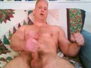 Muscular Mature Cam Man Big Dick Masturbation