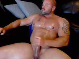 Muscle Bear Live Show