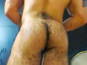 Colombian Bodybuilder Exposes His Hairy Butt