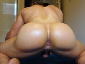 Male Bodybuilder With Huge Ass On Webcam